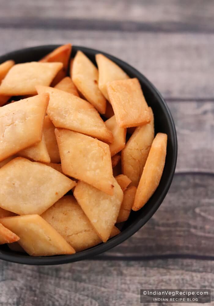 Shankarpali Recipe - How to make Shakkarpara Recipe
